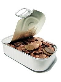 money-tin-1421115