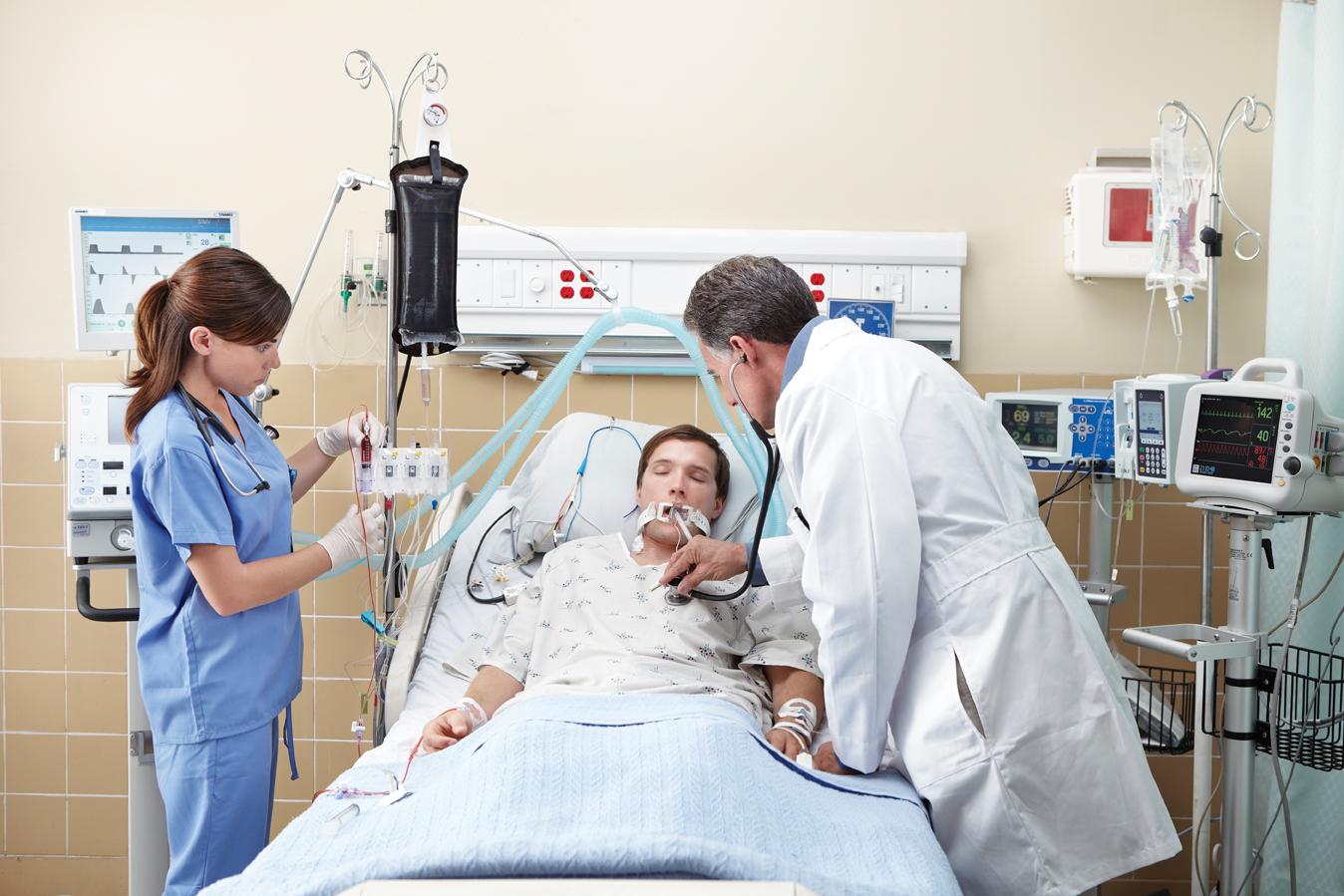 Clinicians_in_Intensive_Care_Unit