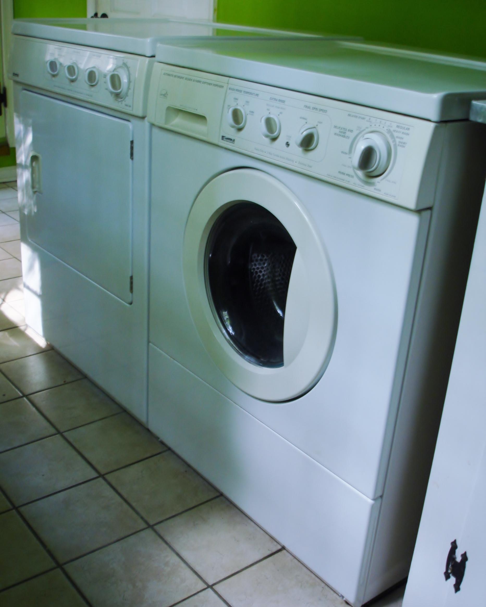 Kenmore_Washing_Machine_and_Dryer